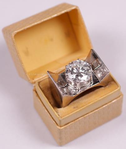 . - Prsten s briliantem, zlato 750/1000, hrubá hmotnost 11,55 g, briliant 3 ct