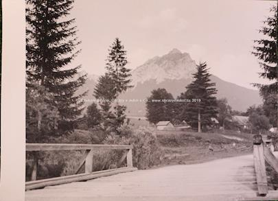 Josef Sudek - Dřevěný můstek v dolině, Pohled do údolí