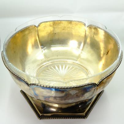. - Mísa se skleněnou výplní, stříbro 800/1000, hrubá hmotnost 779,70 g