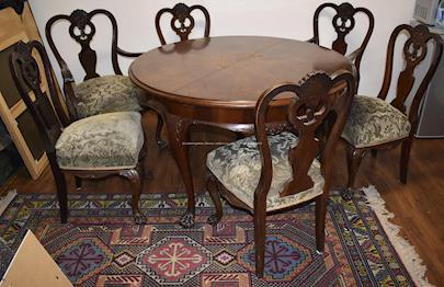 Střední Evropa počátku 20. století - Jídelní stůl se 6-ti židlemi