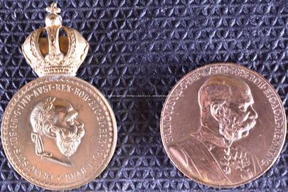 19. století - Soubor 2 mincí: Signum Memoriae a Signum Laudis