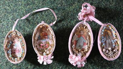 Čechy 20. stol. - 2 zdobená velikonoční vejce, tzv. klosterarbeit