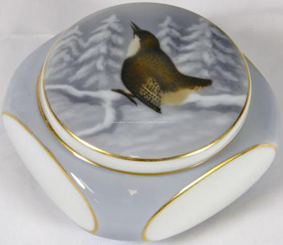 porcelánka Fraureuth - Dóza s ptáčkem