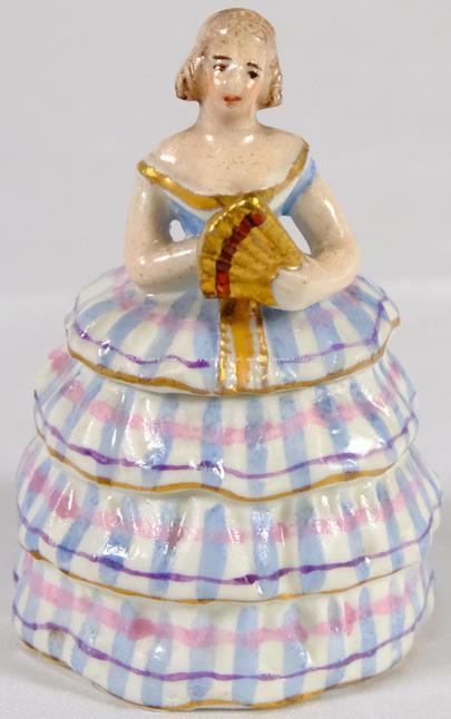 porcelánka Praha - Figurální dóza - dáma v krinolíně