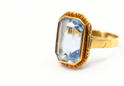 .. - Prsten, zlato 585/1000, hrubá hmotnost 3,00 g