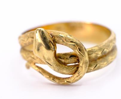.. - Prsten, zlato 585/1000, značeno platnou puncovní značkou Z-36, hrubá hmotnost 4,41 g