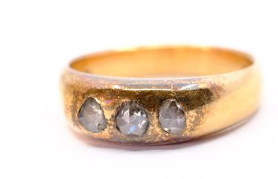 .. - Pánský prsten se 3 routy, zlato 580/1000, značeno platnou puncovní značkou Z-27, hrubá hmotnost 8,68 g