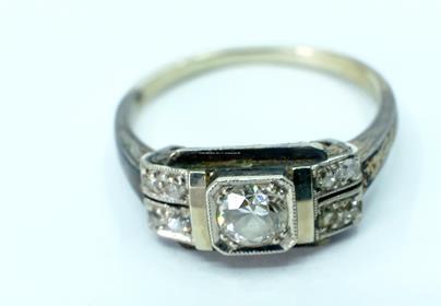 .. - Prsten, zlato 585/1000, hrubá hmotnost 3,20 g