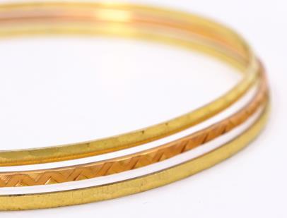 .. - 3 spojené kruhové náramky, zlato 585/1000, značeno platnou puncovní značkou Z-36, hrubá hmotnost 12,84 g
