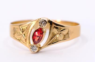 .. - Prsten, zlato 585/1000, hrubá hmotnost 2,38 g