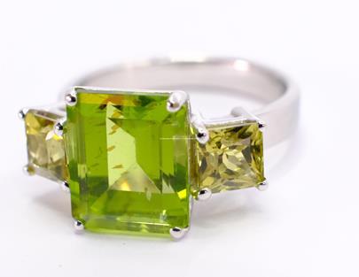 .. - Prsten, zlato 585/1000, hrubá hmotnost 5,65 g