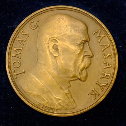 .. - Medaile narozeninová 85 let Tomáše Garigue Masaryka 1935 bronzová historická včetně etue. Bronz průměr 50,32mm, hmotnost 45,36g
