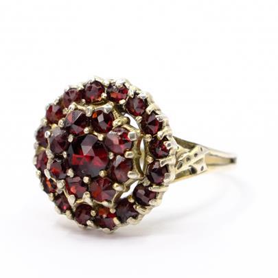.. - Granátový prsten, stříbro 900/1000, hrubá hmotnost 3,56 g