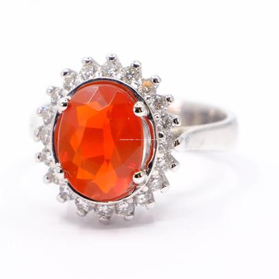 .. - Prsten s přírodním opálem, zlato 750/1000, hrubá hmotnost 6,08 g