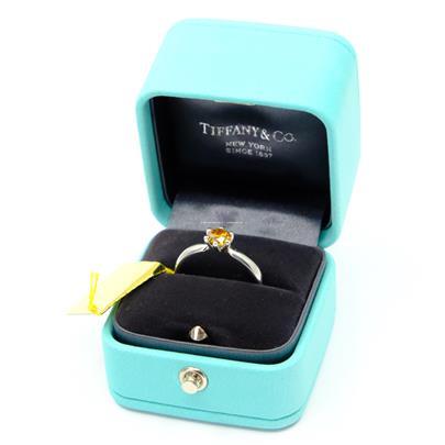 Tiffany & Co - Diamantový prsten, platina 950/1000, hrubá hmotnost 5,58 g